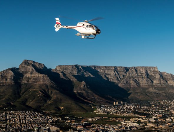 table mountain cape town helicoptere